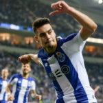 El Valencia prepara 40 millones para fichar dos defensas