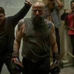 El brutal entrenamiento de Eduard Fernández para 'estar cachas' en 30 Monedas