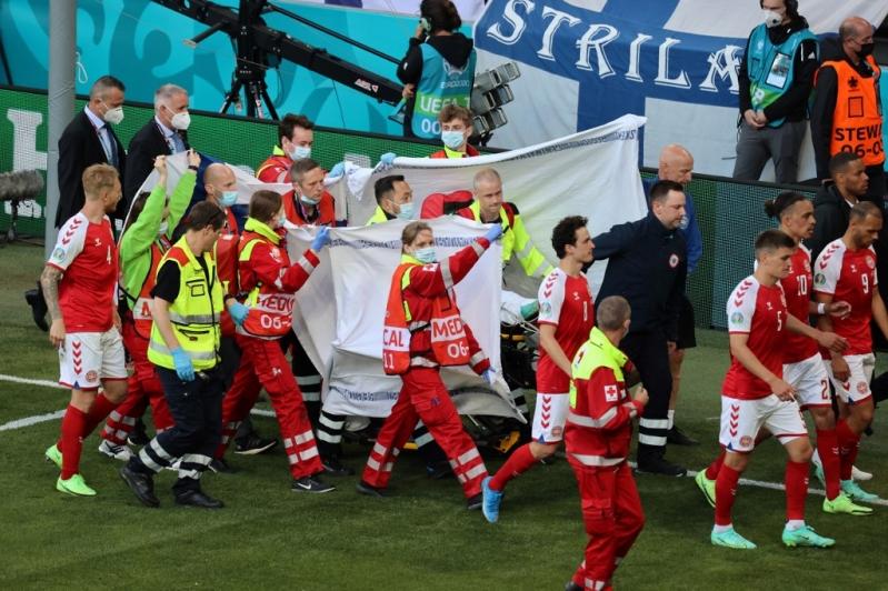 Eriksen cae fulminado y se suspende el Dinamarca-Finlandia