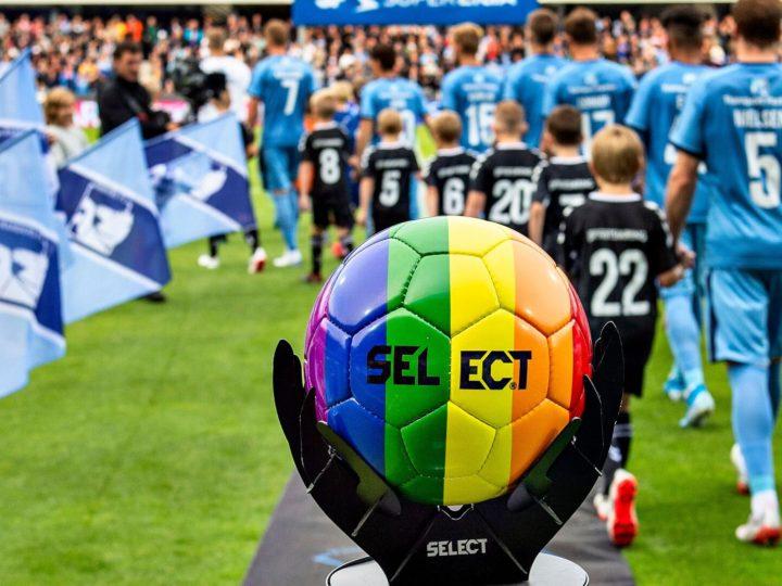 Futbolista gay de la Premier: «Seré crucificado»